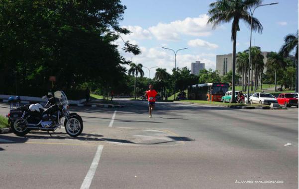 foto_corriendo_maraton_cuba